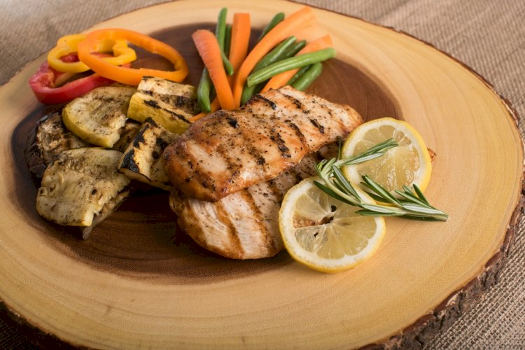 Top 9 Best Foods For Muscle Building and Growth