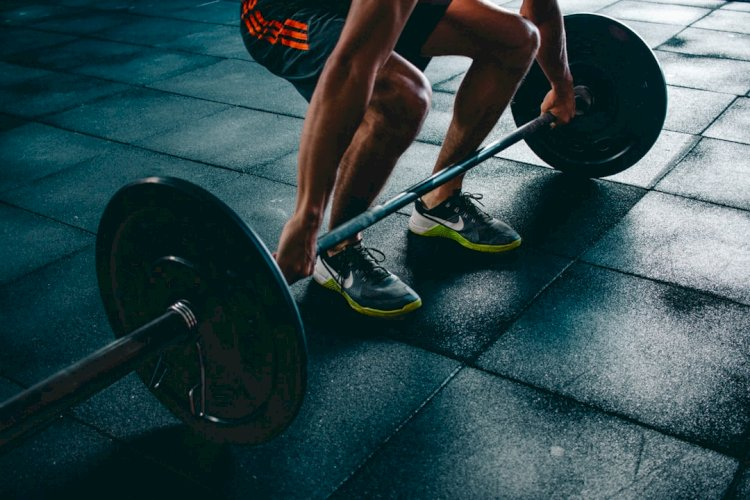 11 Reasons Why Deadlifts Are So Good For Your Health!