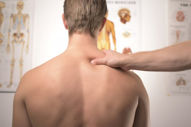 Trying hard to get rid of neck pain you feel after doing  Crunches?